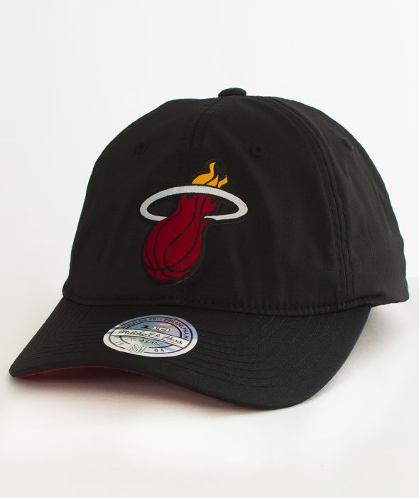 Mitchell & Ness-Miami Heat Light & Dry SB  Snapback BH73L4