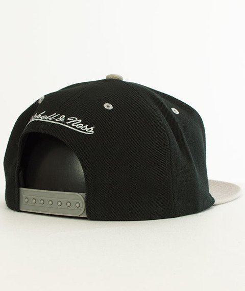 Mitchell & Ness-Brooklyn Nets Team Arch SB Czapka EU1129