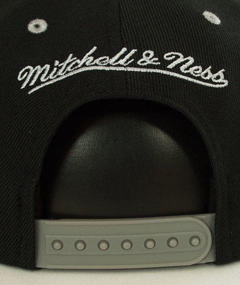 Mitchell & Ness-Brooklyn Nets Team Arch SB Czapka EU1129